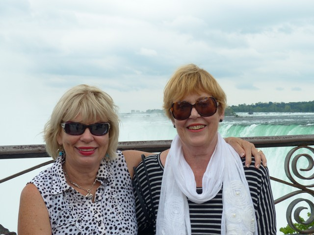 Sharon and Mul  with Niagra Falls behine them