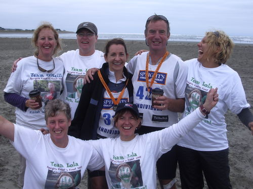 Team Lola and Team O'Neill at the finish in Sumner